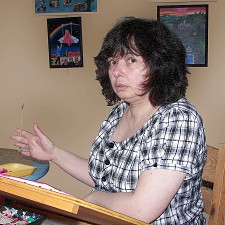 Angélique à sa table de travail